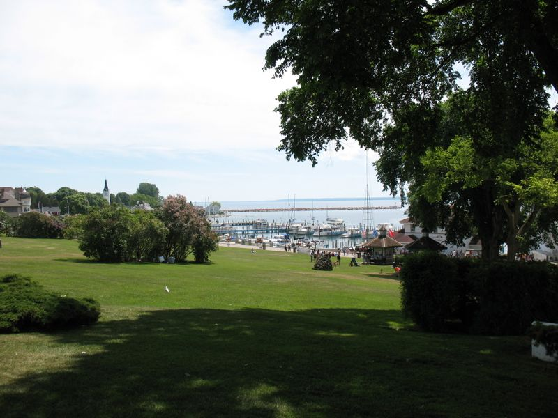 Mackinac island commons 2