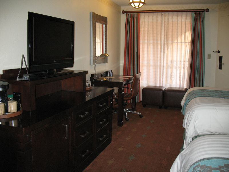 Disney's Coronado Springs Resort std room