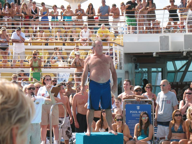 Big Belly flop conest on Nvaigator of the Seas