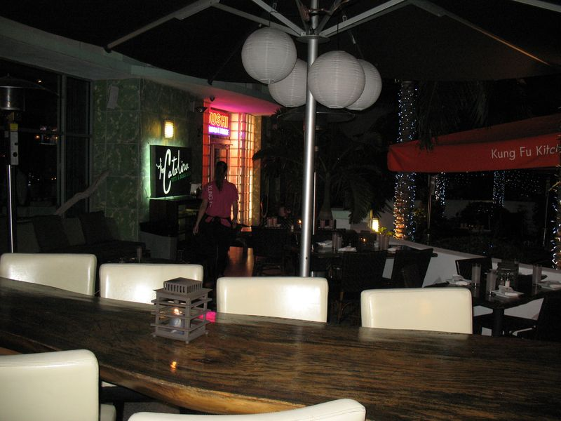 Outdoor sushi restaurant in South Beach