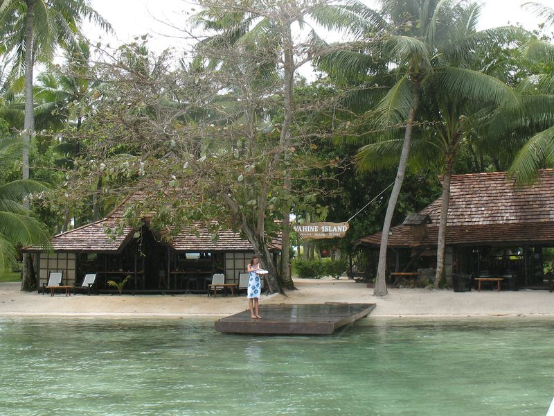 Vahine Island resort - arriving